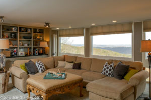 Real estate photography in Dalton, GA Chattanooga, TN living room with view
